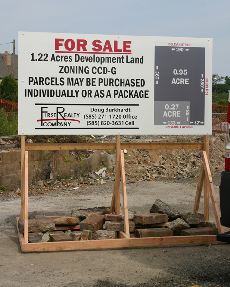 FirstRealy_site sign